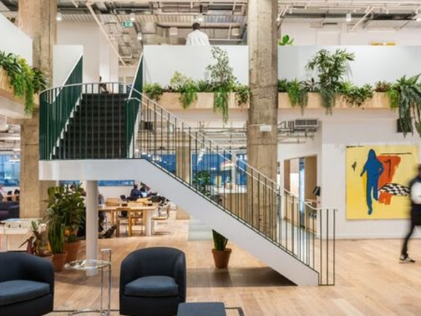 Communal area at WeWork Monument at 12 Monument